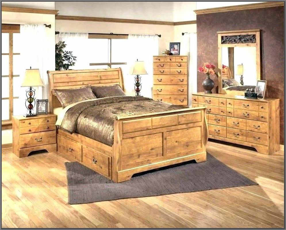 Broyhill Attic Heirloom Dining Room Furniture
