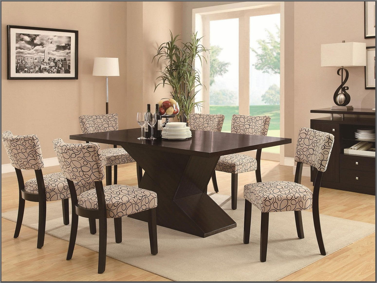 Canadel Dining Room Table And Chairs