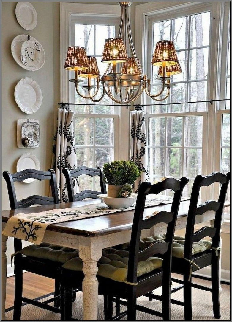 Dining Room Bay Window Decorating Ideas
