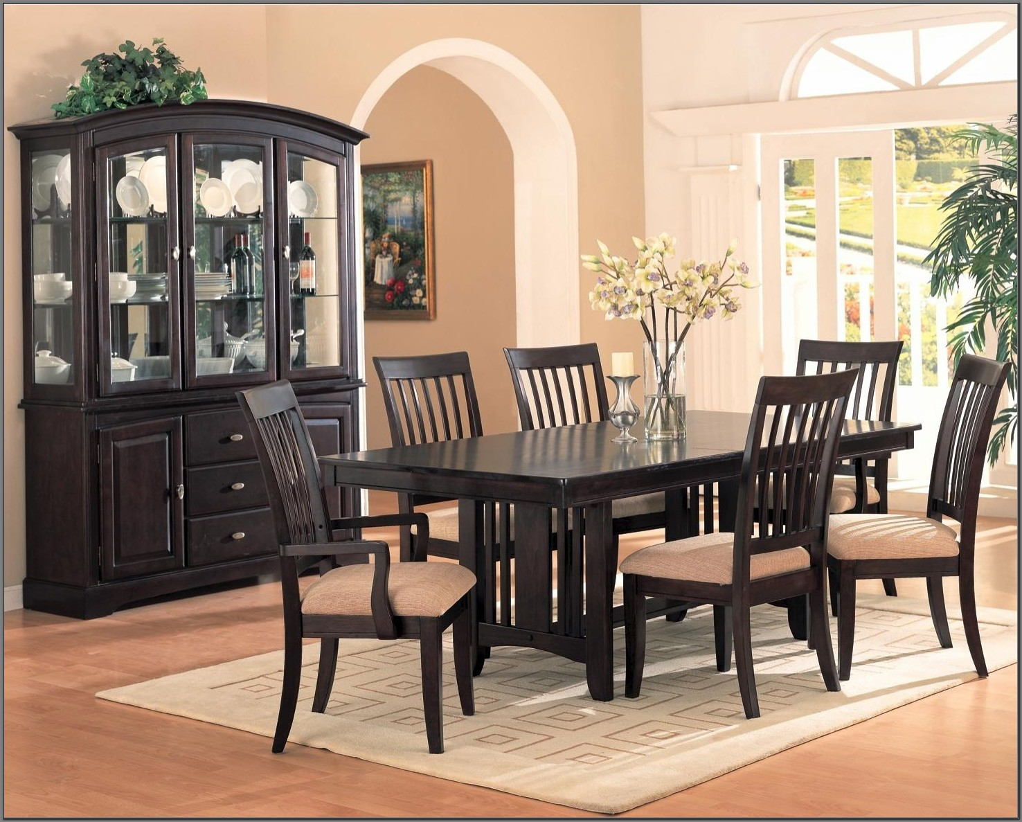 Dining Room Sets With Hutch