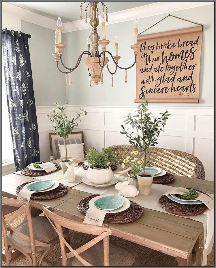 Farmhouse Dining Room Table Decor