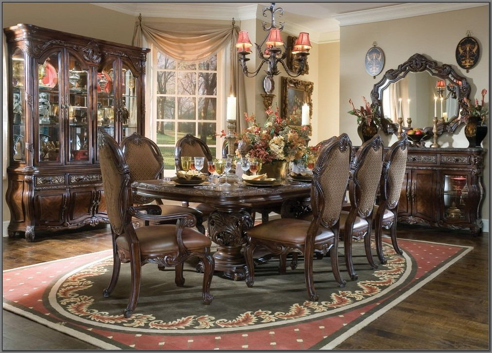 Traditional Formal Dining Room Sets