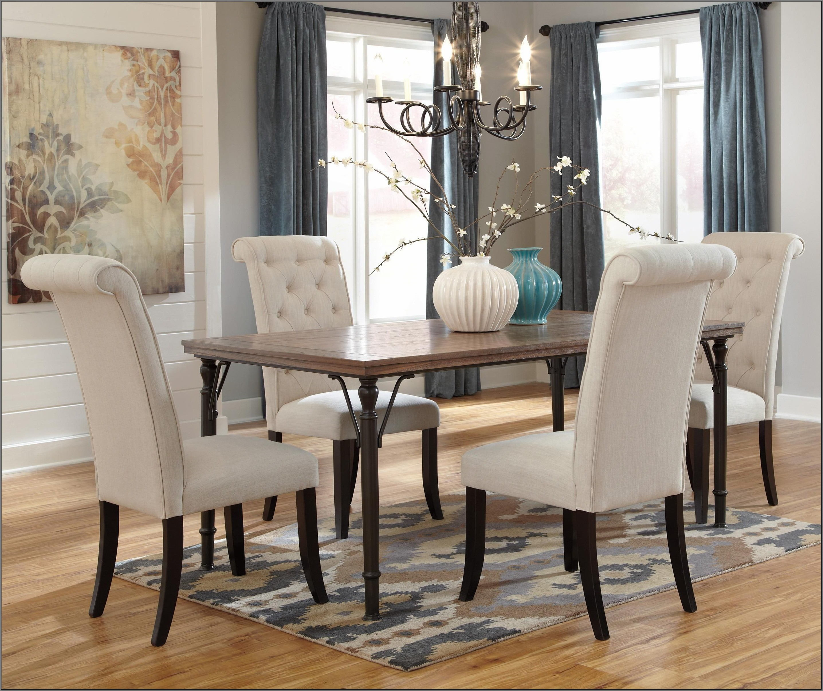 Tripton Dining Room Table Set