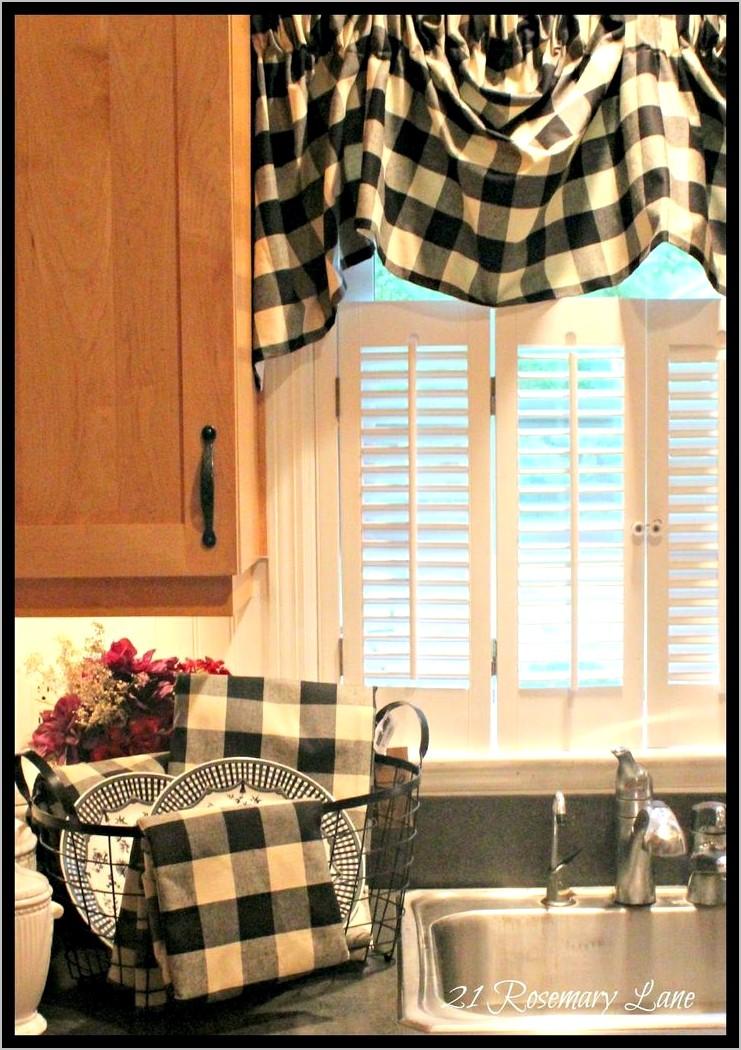 Black And White Buffalo Plaid Kitchen Decor