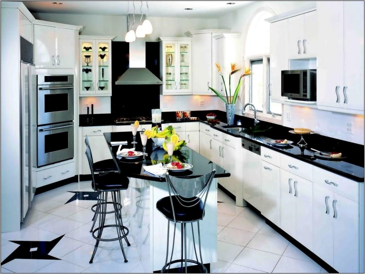 Black And White Modern Kitchen Decor