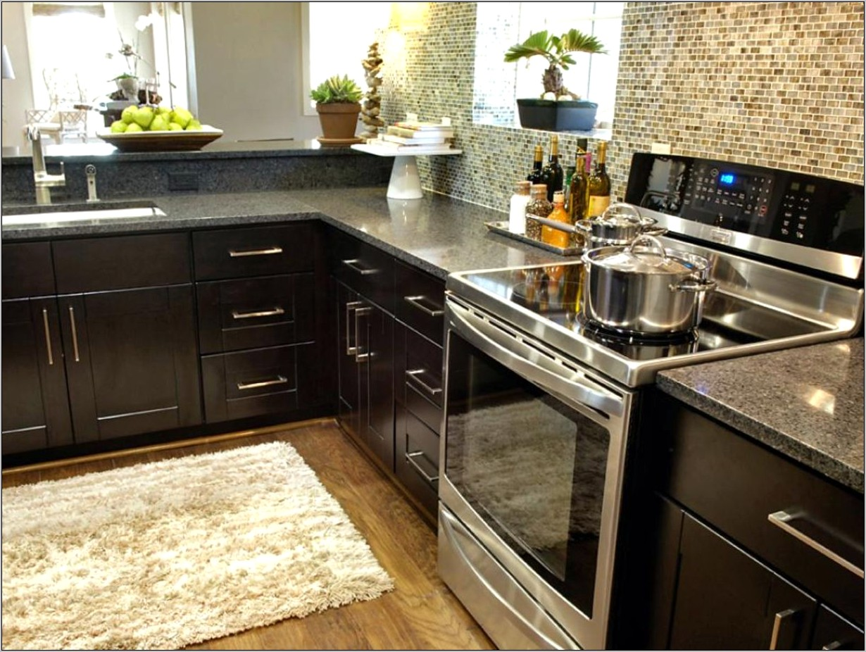 Black Kitchen Countertops Decor