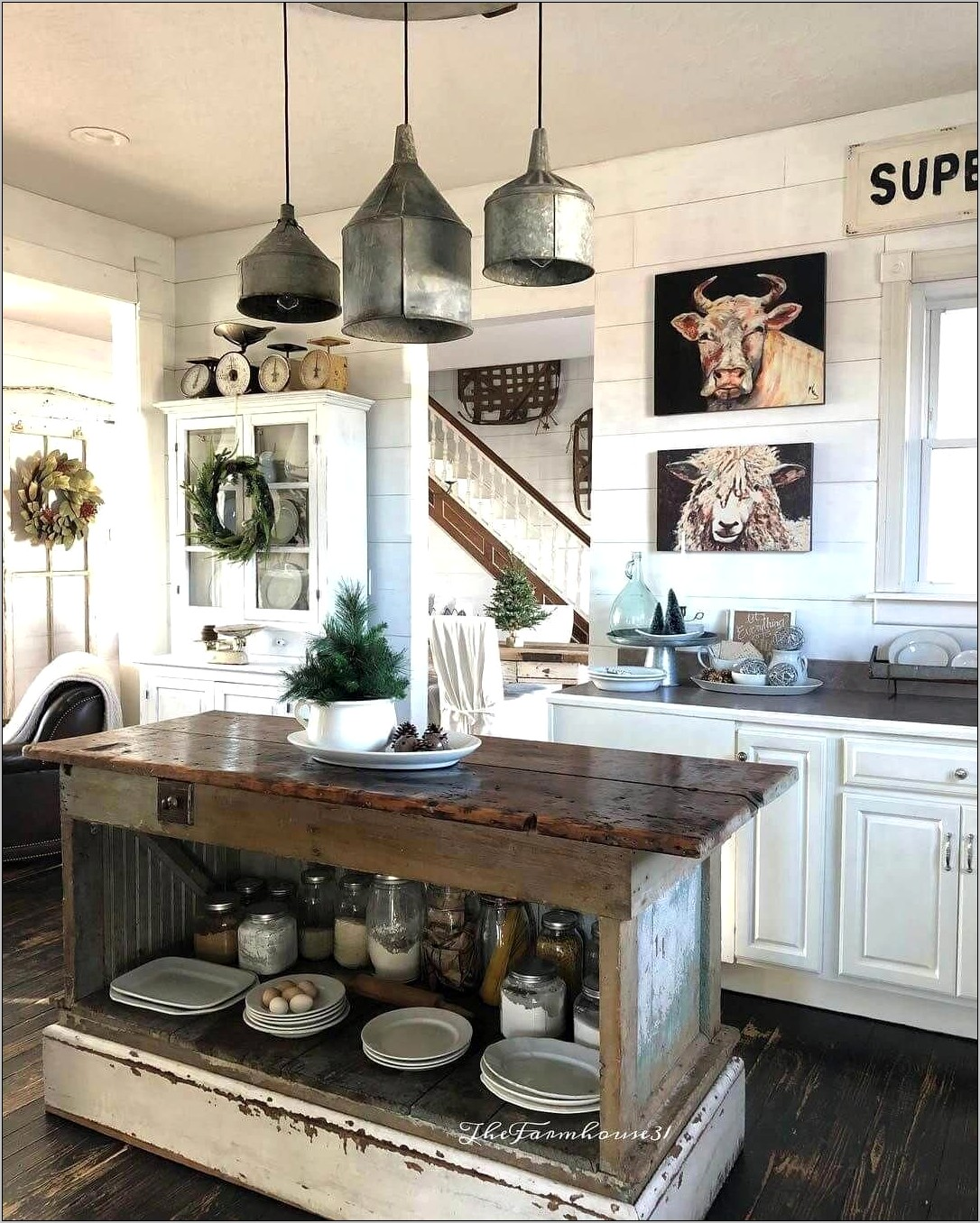 Cabin Style Kitchen Decor