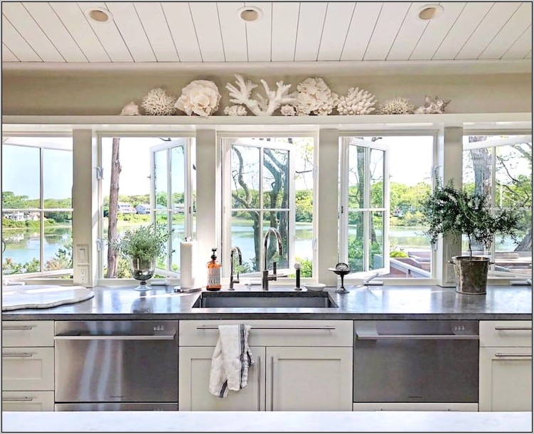 Cape Cod Style Kitchen Decor