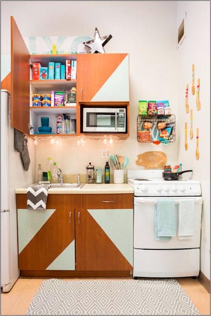 College Students Decorative Kitchen