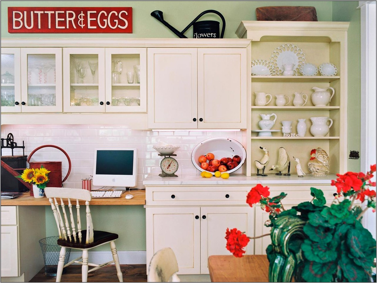 Country Decorating Ideas Above Kitchen Cabinets