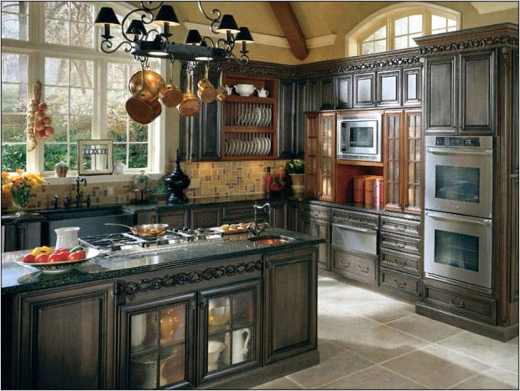 Country Kitchen Countertop Decor