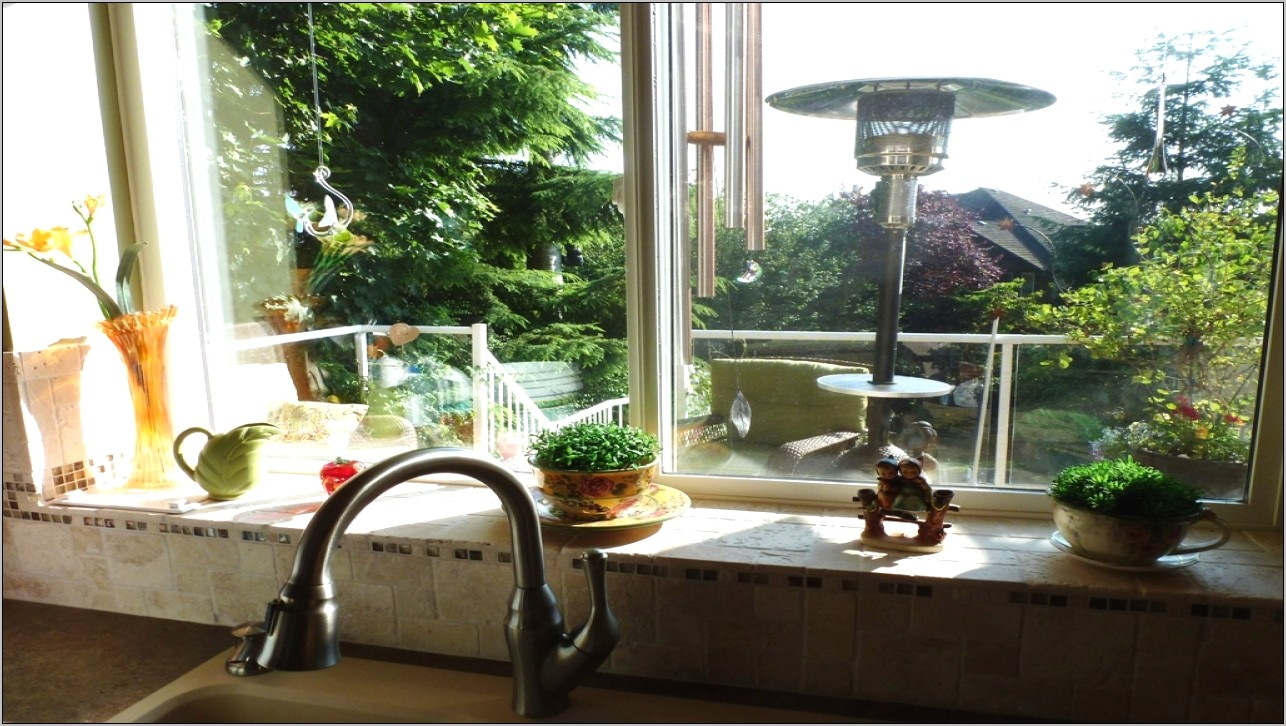 Decorate A Kitchen Windowsill