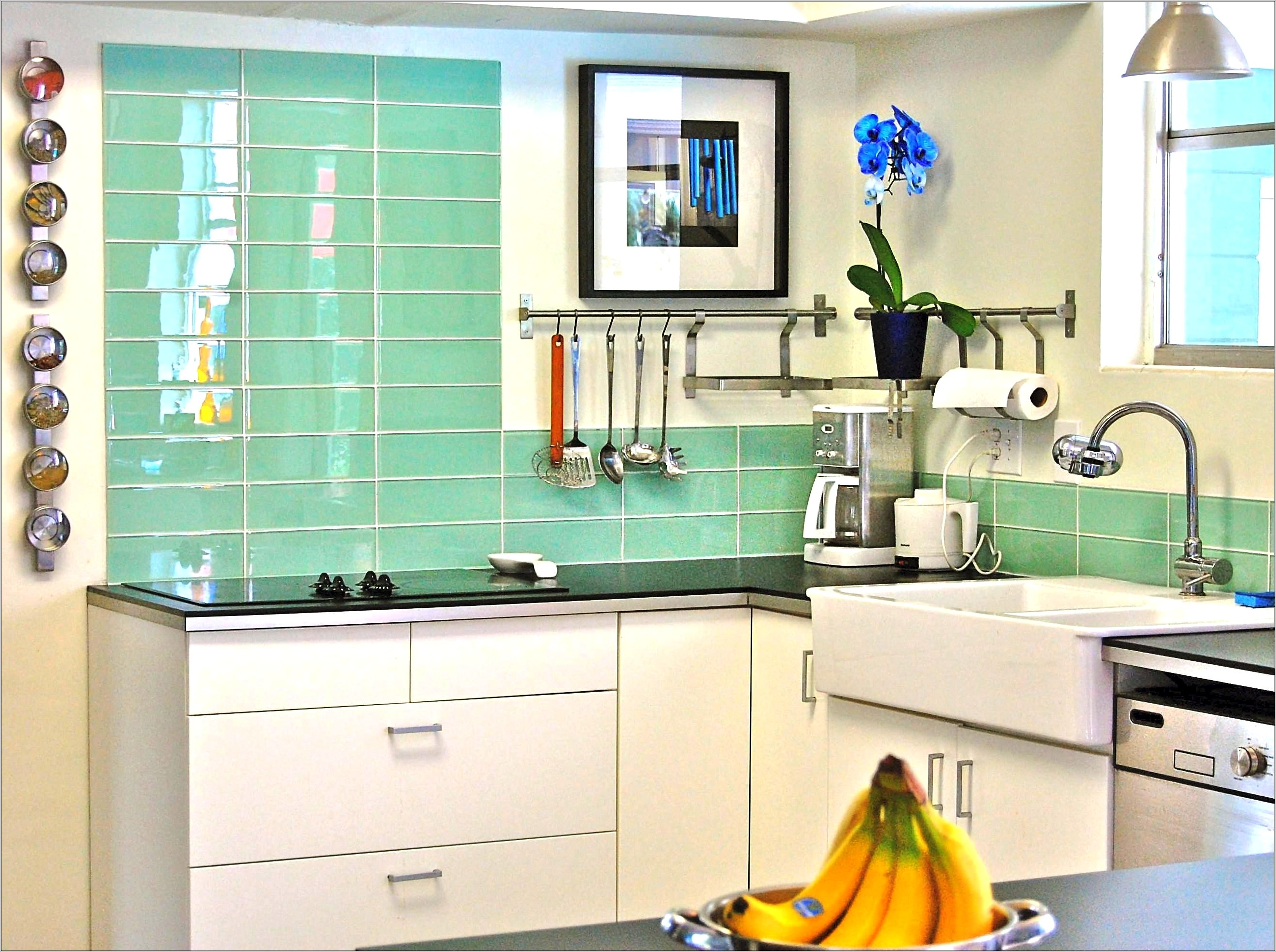 Decorate Kitchen With Green Wall Tile