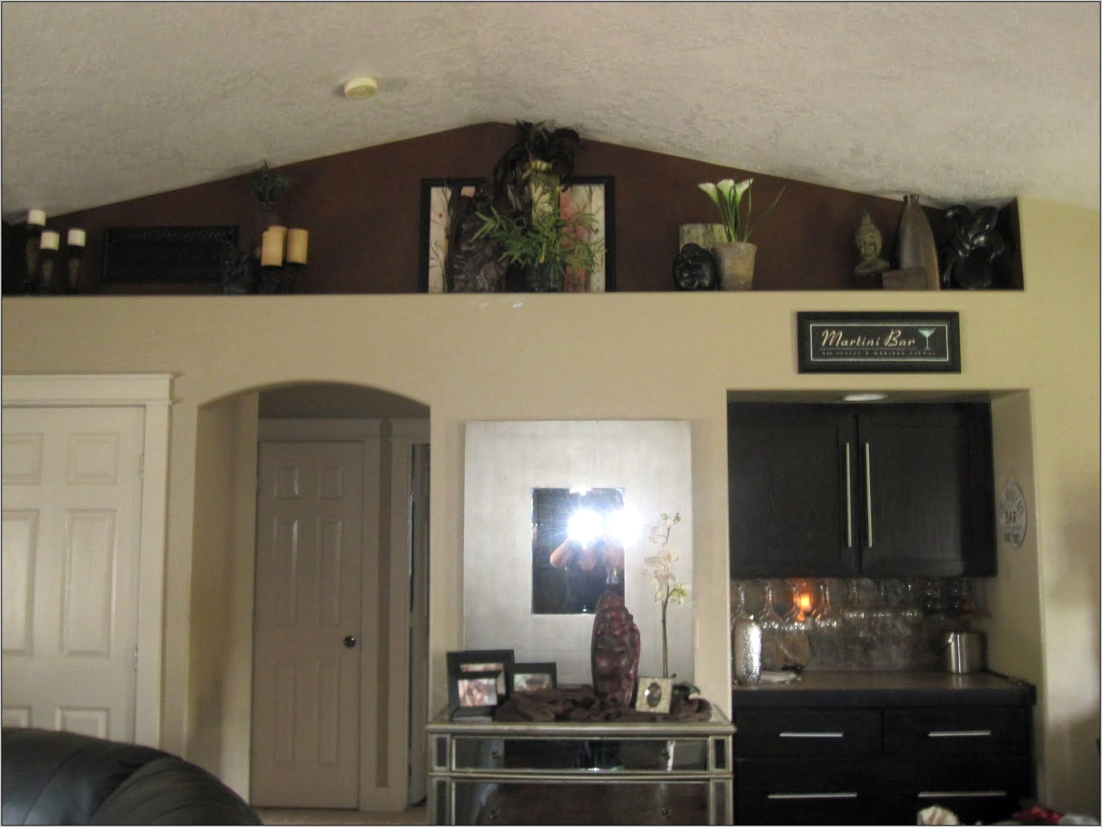 Decorate Vaulted Wall Above Open Kitchen