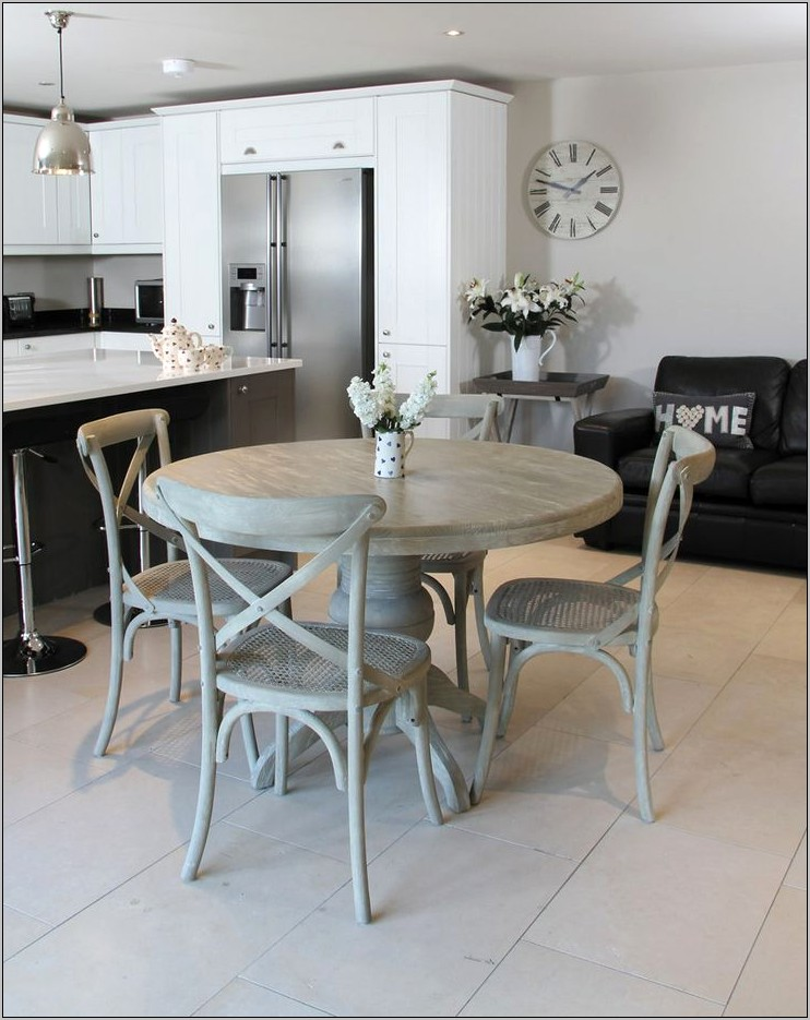 Decorating A Round Kitchen Table