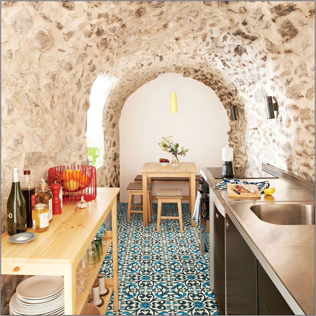 Decorating A Spainish Kitchen