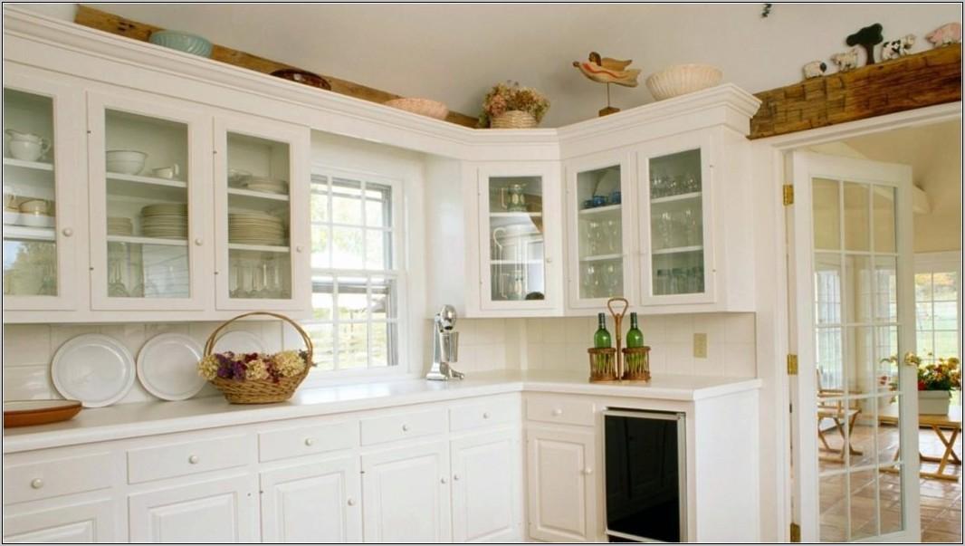 Decorating Above Kitchen Soffits