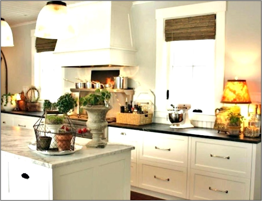 Decorating Kitchen Counters Farmhouse Style
