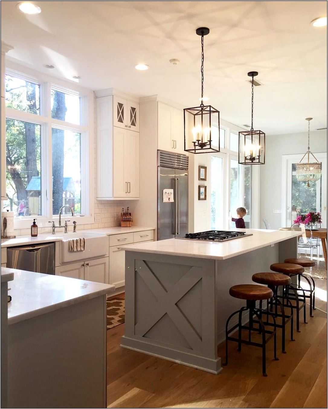 Decorating Kitchen Island With Lanterns