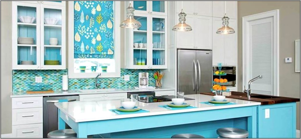 Decorating Kitchen With Antique Teal