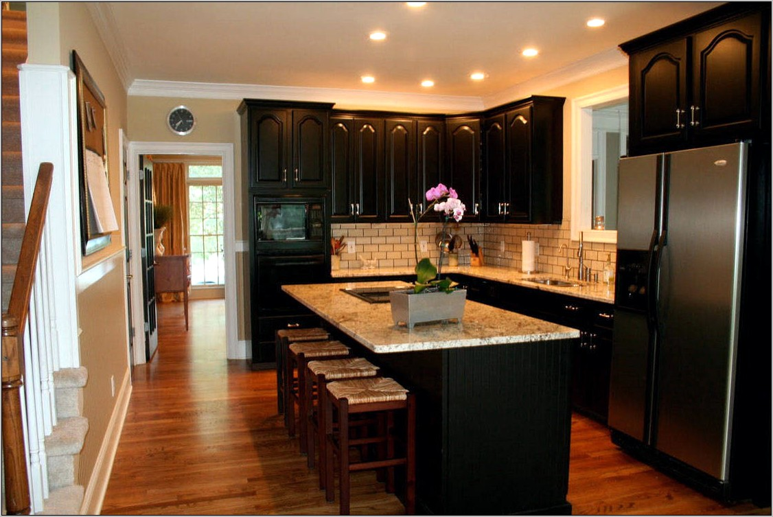 Decorating Kitchen With Black Countertops