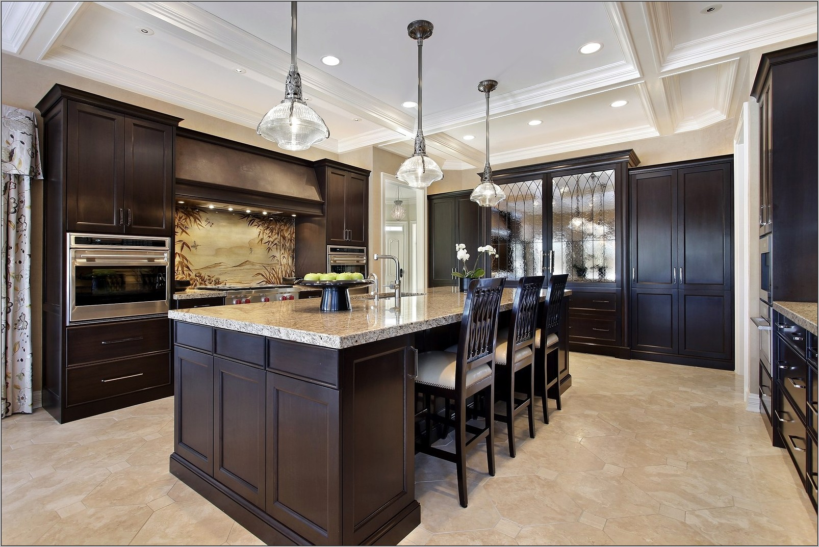 Decorating Kitchen With Light Wood Cabinets