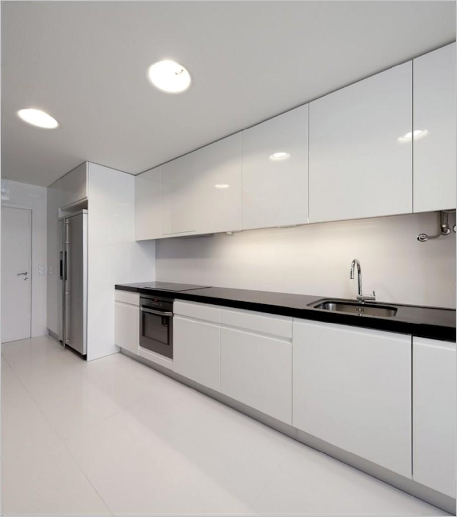 Decorating Modern White Kitchen