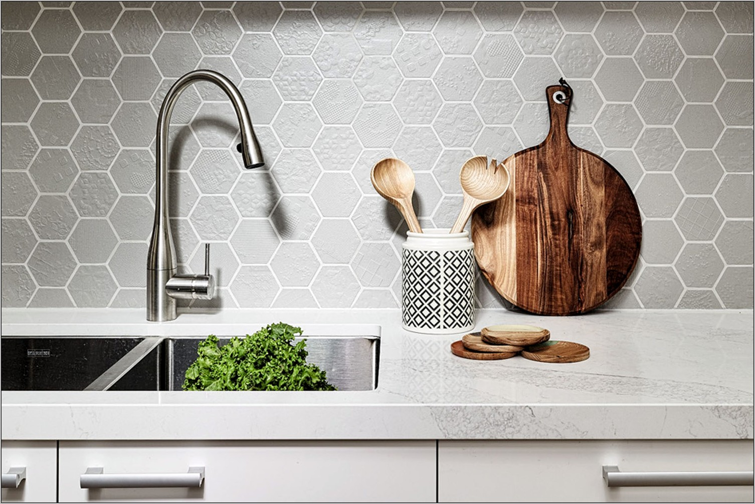 Decorating Tips For Small Kitchen