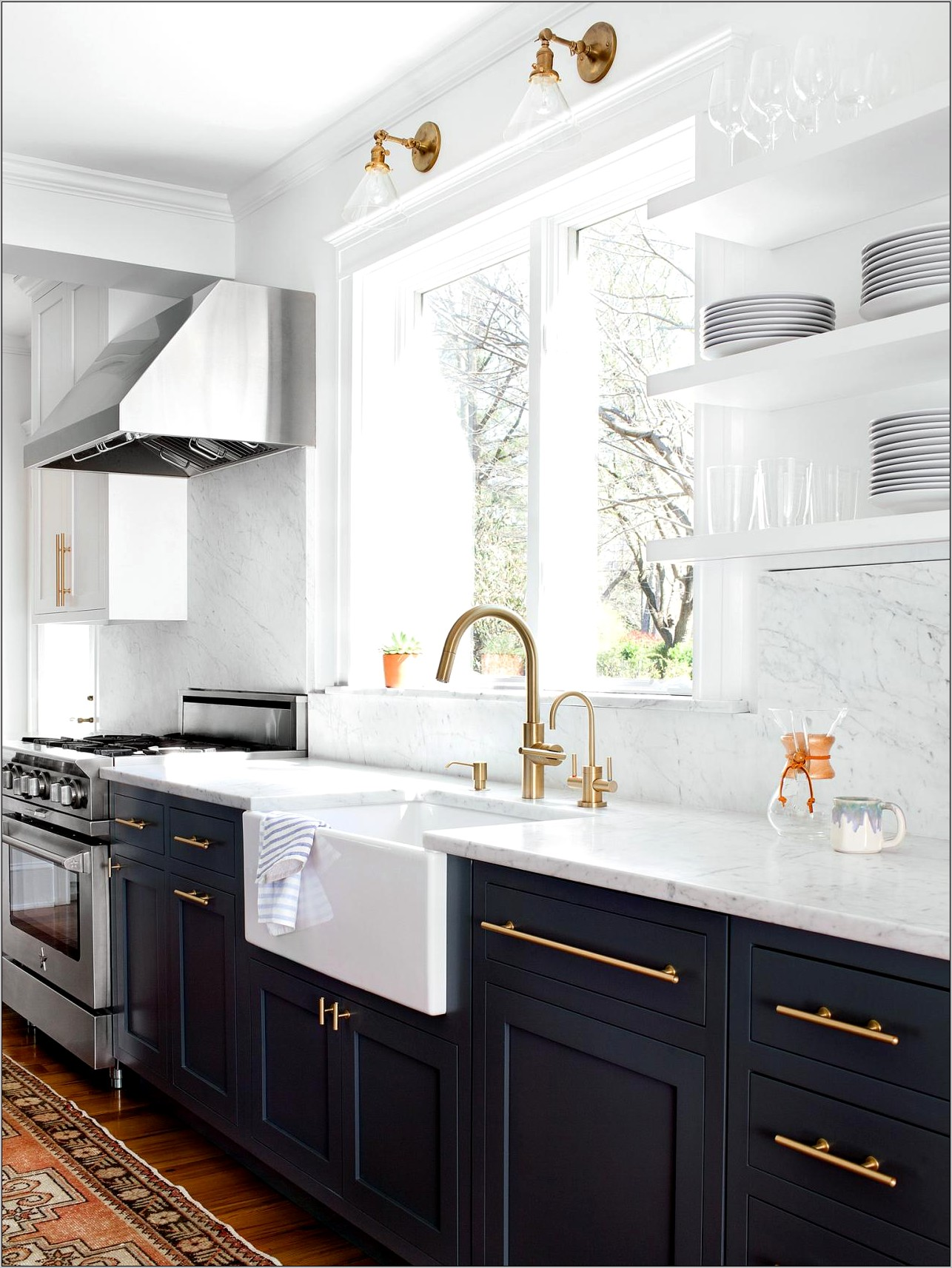 Decorating White Kitchen With Gold Knobs
