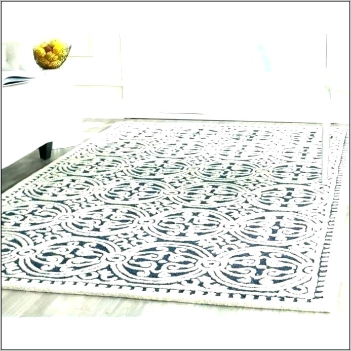Decorating With Rugs In The Kitchen