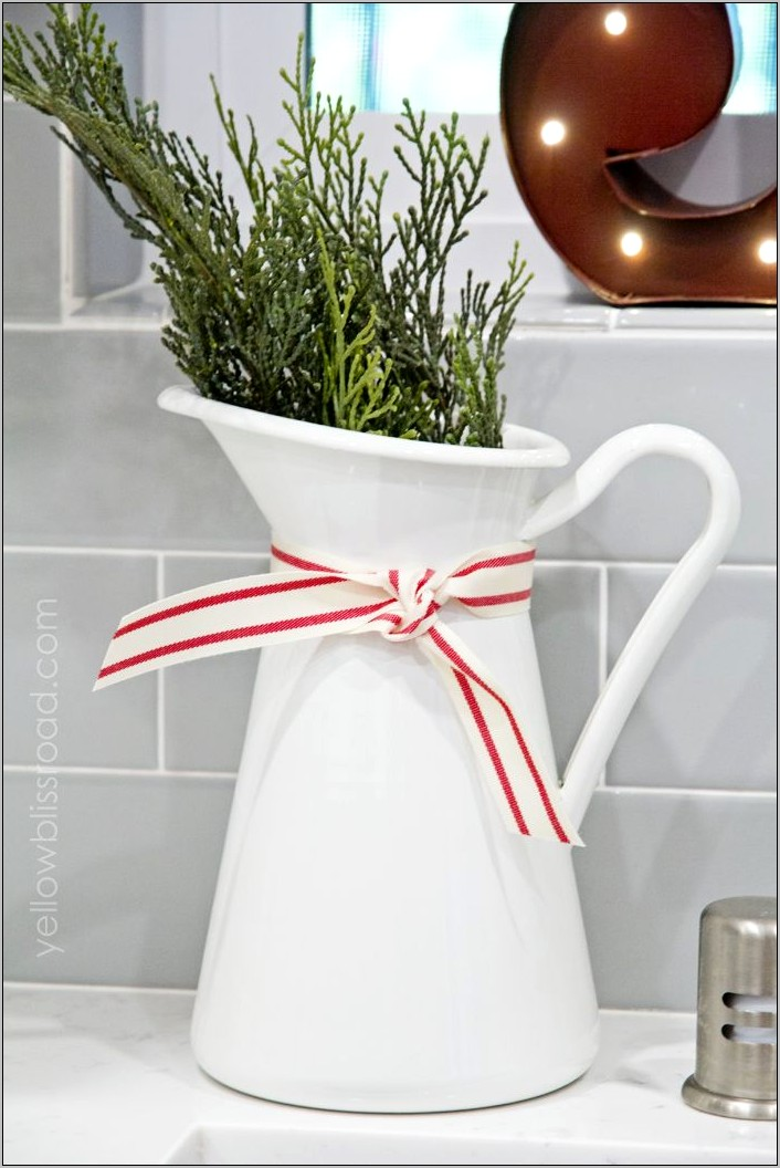 Decorating Xmas In The Kitchen