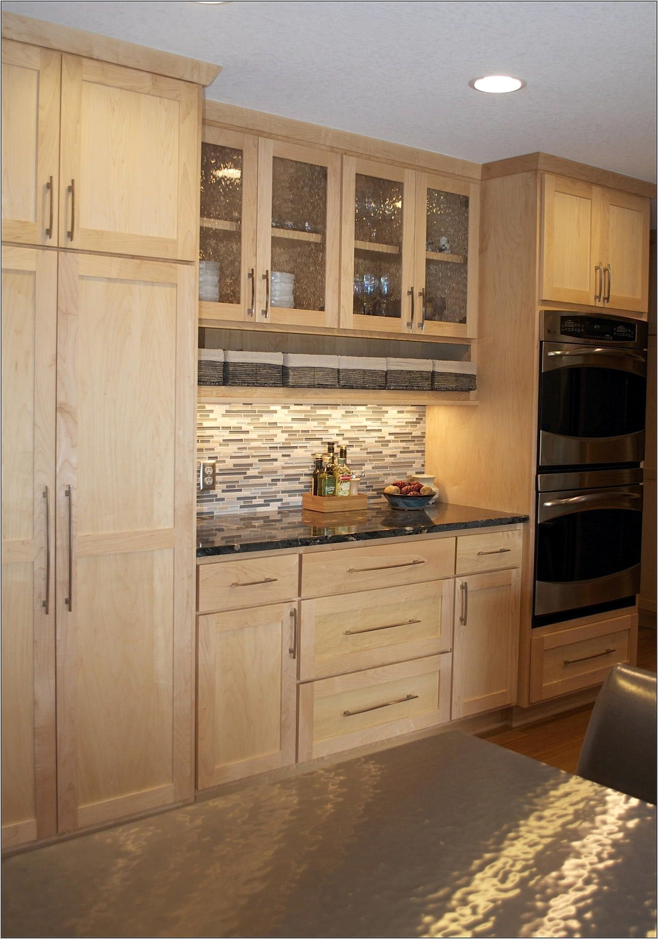 Decorations Ideas For Kitchen With Light Cabinets
