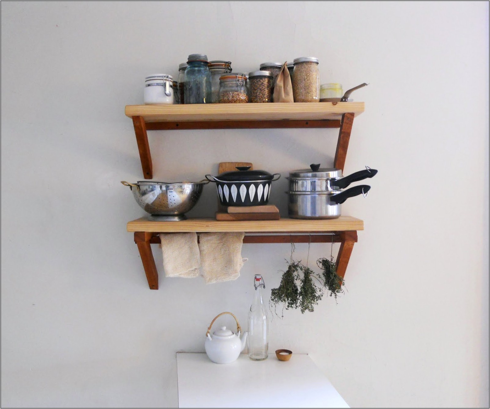 Decorative And Practical Kitchen Shelving