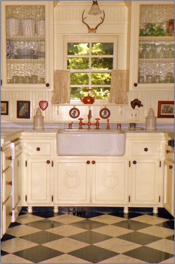 Decorative Kitchen Furniture In White