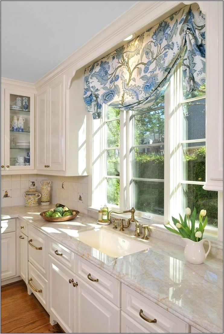 Decorative Moulding Over Kitchen Window