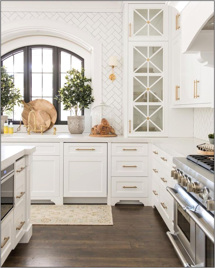 Decorative Upper Kitchen Cabinets