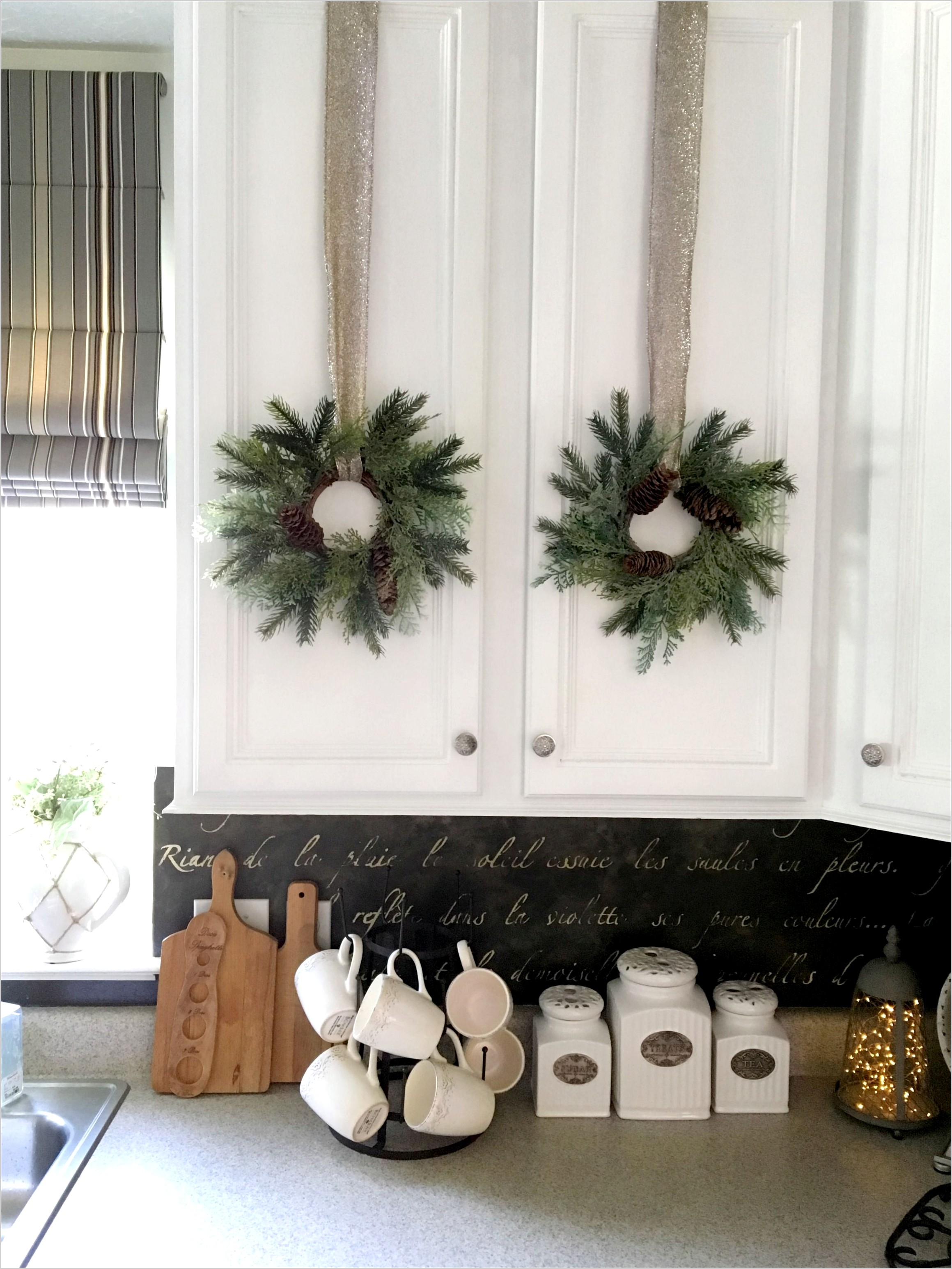 Diy Christmas Decorations Kitchen Cabinets
