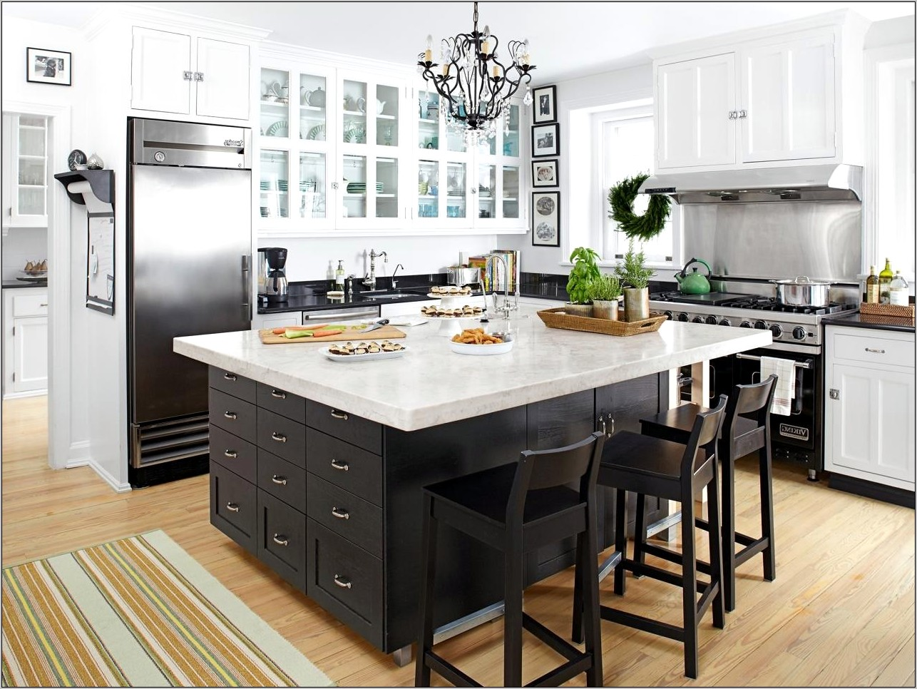 Elegant Kitchen Countertop Decorating Ideas