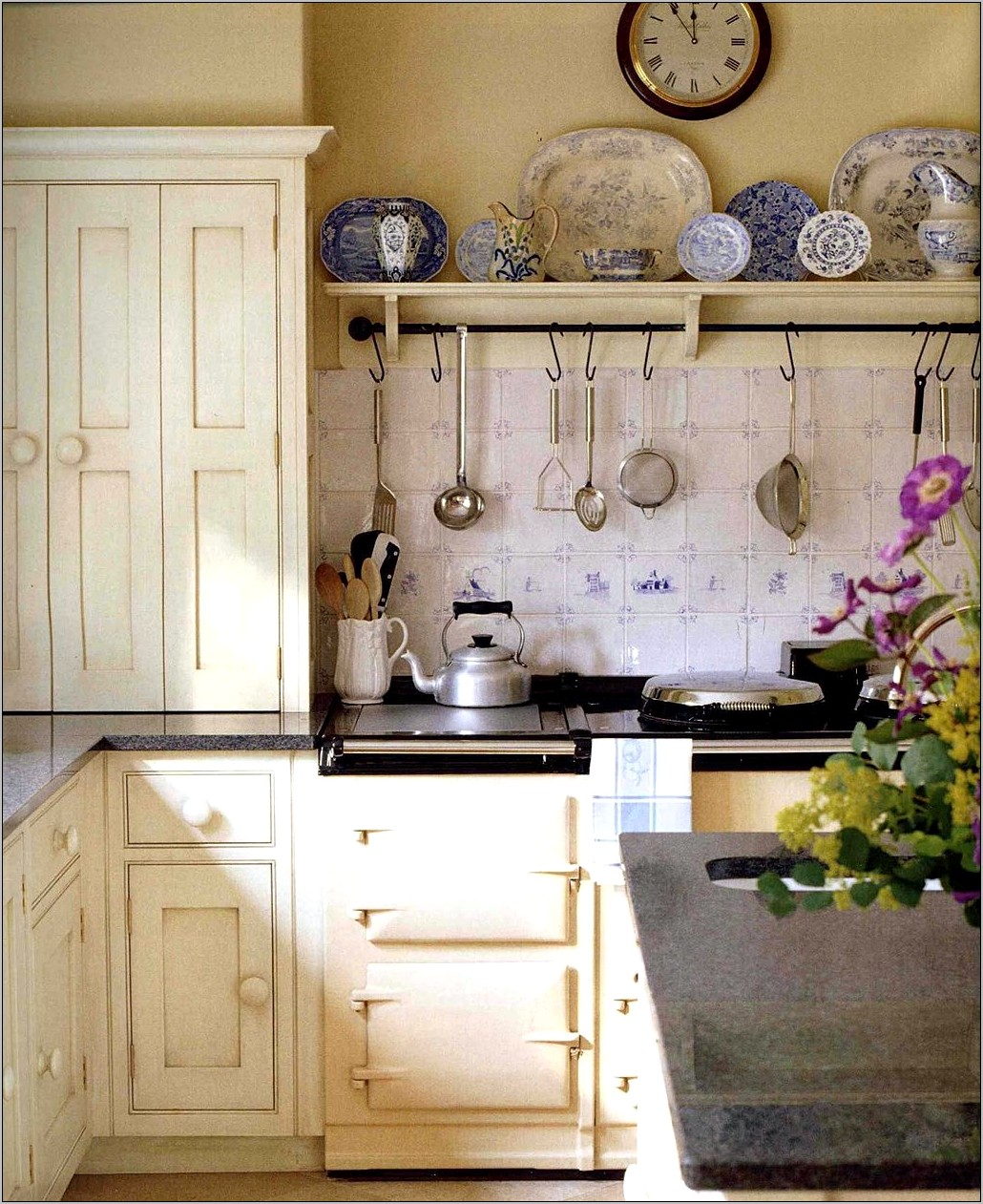 English Style Kitchen Decor