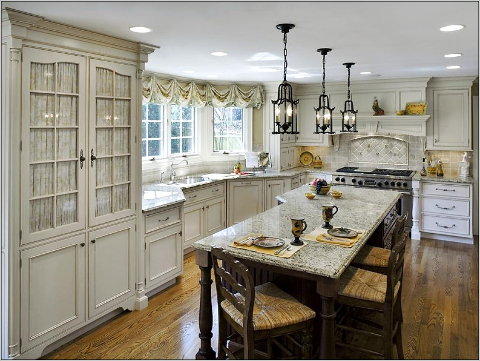 Essential French Country Kitchen Decor