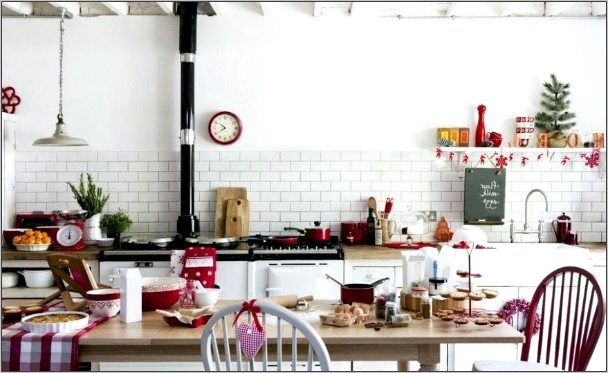 Five Cheap Christmas Kitchen Decorating Ideas