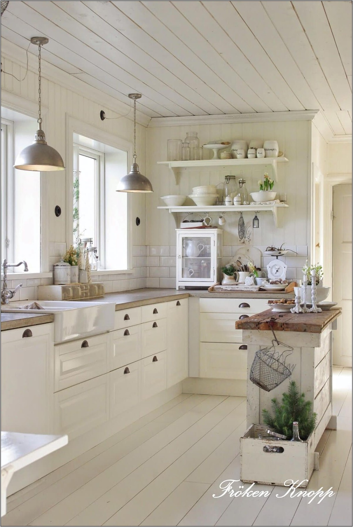 French Country Farmhouse Kitchen Decor