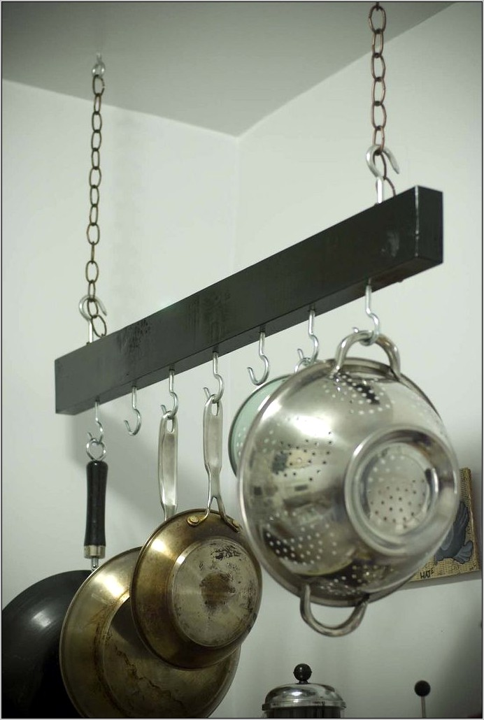 Hanging Pot Rack In Kitchen Decor