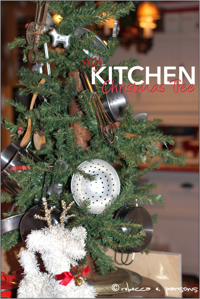 Ideas To Decorate Kitchen In Christmas Theme