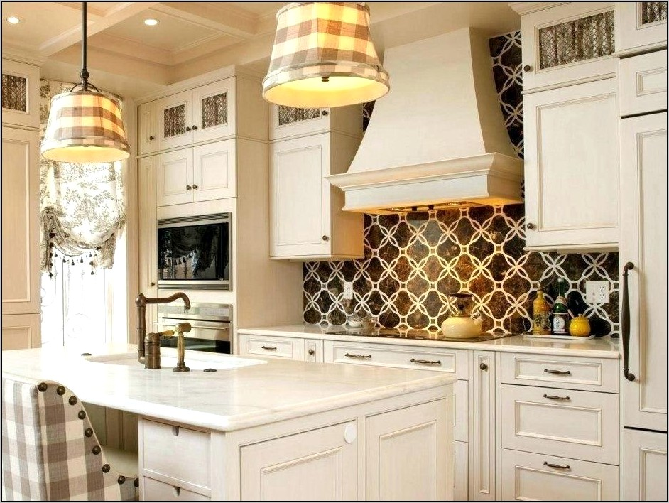 Kitchen Counter Christmas Decorating Ideas