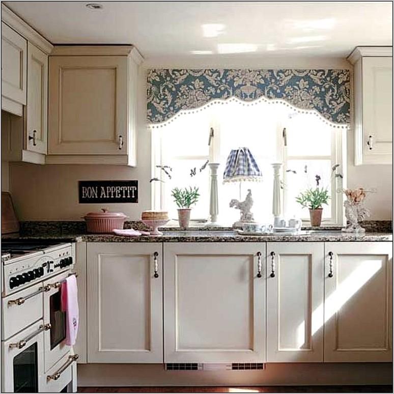 Kitchen Curtain Decorating Ideas