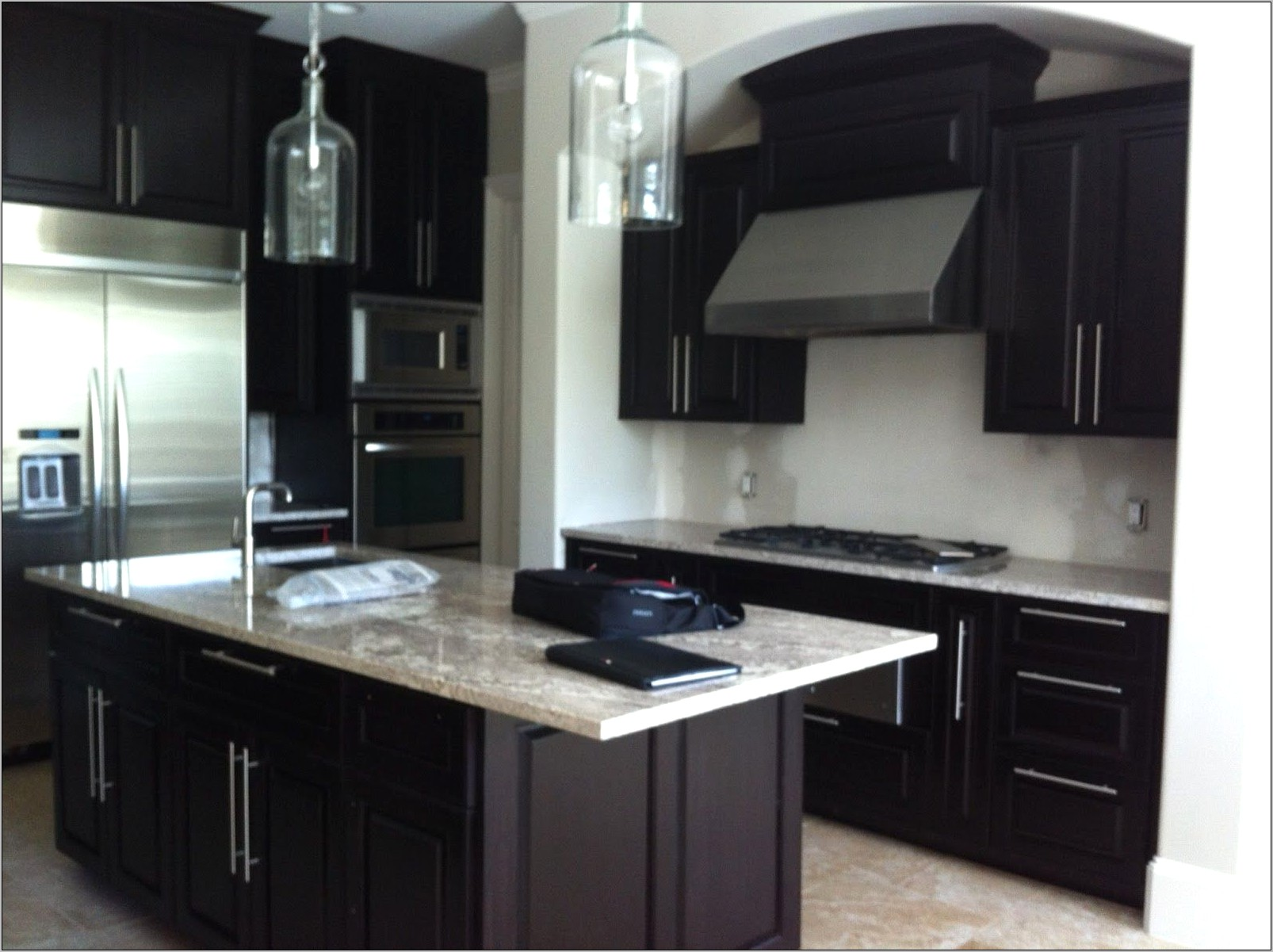 Kitchen Dark Cabinets Decorating Ideas