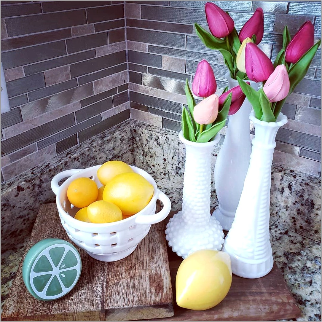 Kitchen Decor In Limes And Lemons