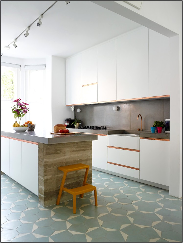 Kitchen Decor With Hexwgonal Floors