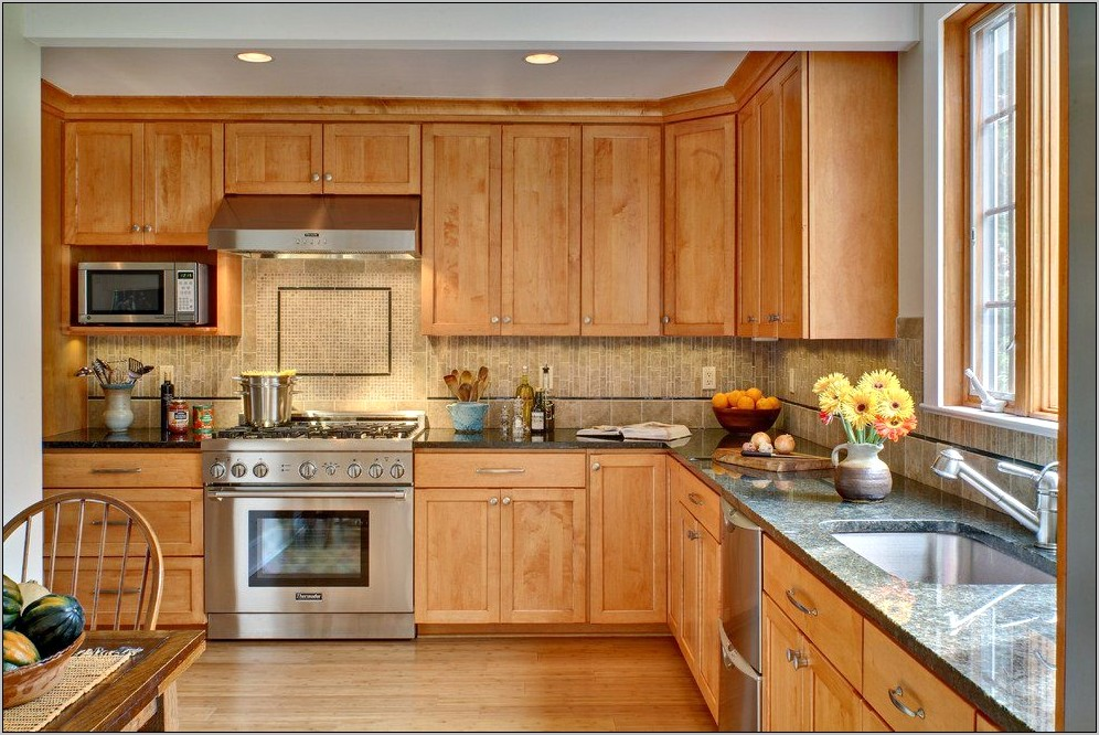 Kitchen Decor With Maple Cabinets